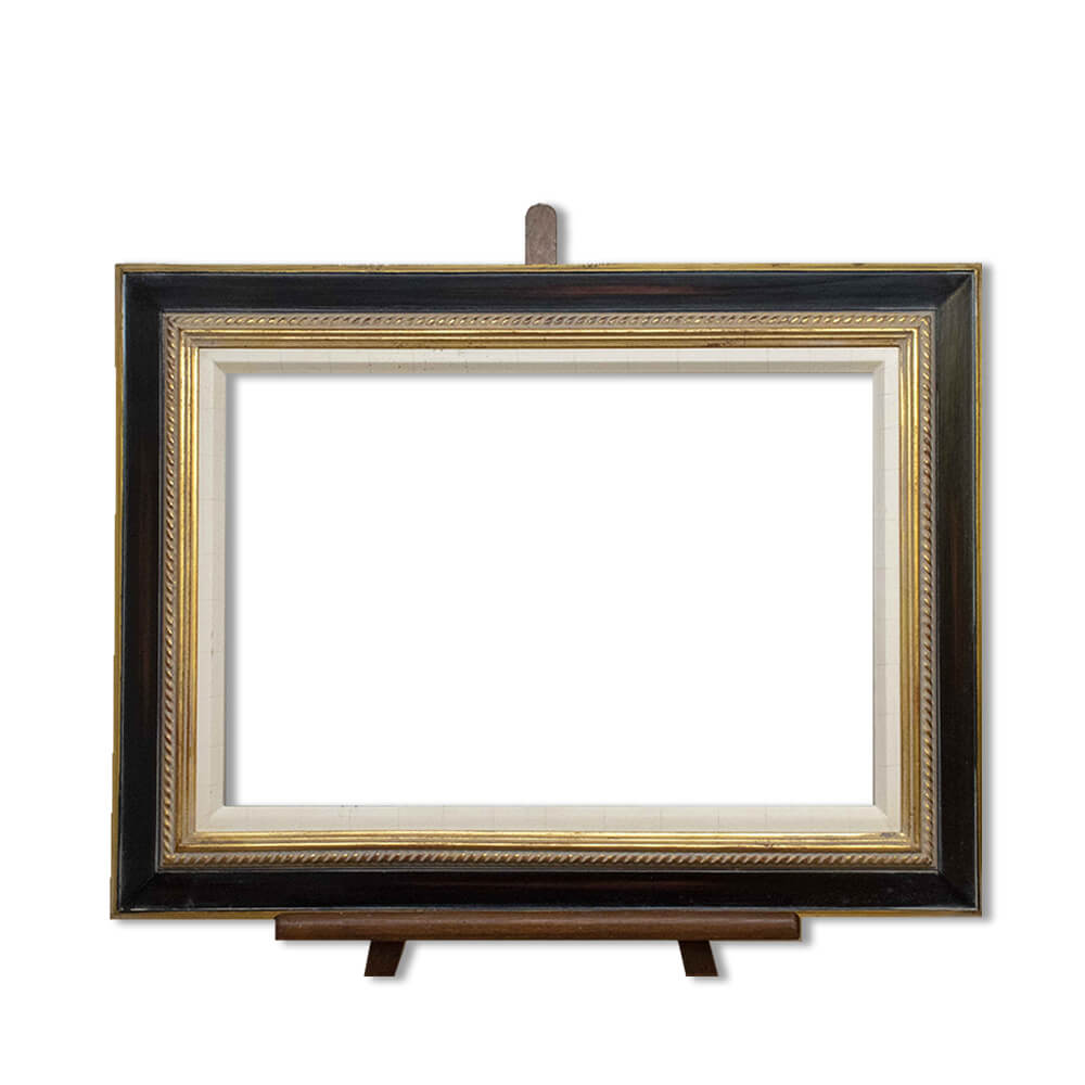 Frame PW7/N7/23 in finish 21 with cracked gesso slip
